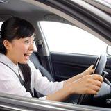 3位急ハンドル「男性がイラッとする女性ドライバーの特徴」大迷惑な1位は