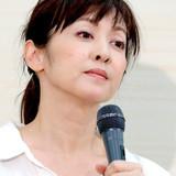 斉藤由貴との不倫認めた医師、「鬼の形相」で走り去る…「ワイド!スクランブル」が直撃