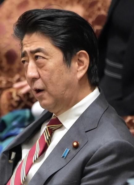 安倍昭恵夫人が安倍首相の冴えない画像を投稿 批判コメントも消さない謎:コメント5