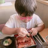 辻希美、家族とウナギを食べて炎上