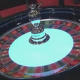 """ギャンブル依存症防止へ 政府案""""カジノ入場料2000円"""""""