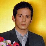 """V6・岡田准一、""""ファン離れ""""が加速中!「高評価」の俳優業にも暗雲が…"""