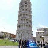 ピサの斜塔で邦人観光客が死亡 63歳男性、塔内で体調崩す