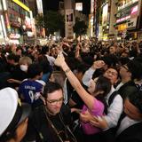 渋谷で女の子のおっぱい触り放題