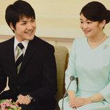 """小室圭さん親子が秋篠宮邸で緊急会談、""""2つの問題""""が浮き彫りに"""