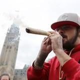 【カナダ】10月17日に嗜好用大麻解禁 トルドー首相が発表 首相も「議員時代含めて5、6回吸った」