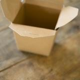 なぜ捨てない?箱をため込む人達「タバコの空箱が捨てられない」「お菓子の箱もとってある」
