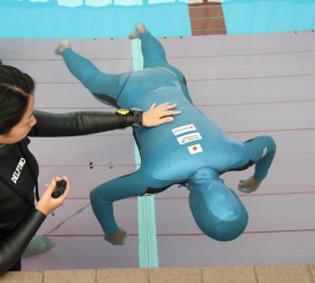 自衛隊員が水難救助の訓練中にプールで溺れ死ぬ 小牧基地 愛知:コメント1