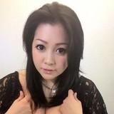 小向美奈子さん、海で全裸で大はしゃぎ